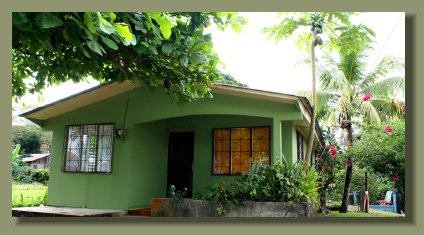 Small Simple House in Puerto Jimenez downtown, close to all the services of the main town of the osa peninsula